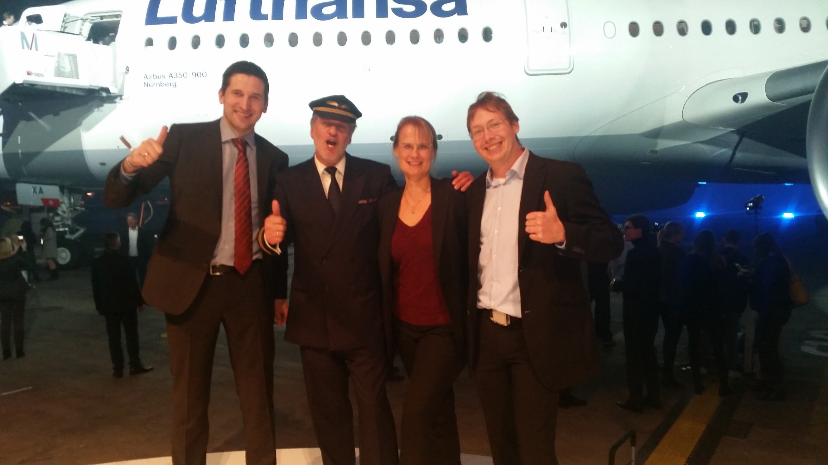 LH A350 Crew